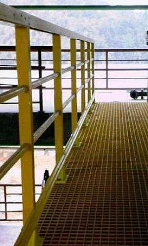 Grade de piso em fibra de vidro