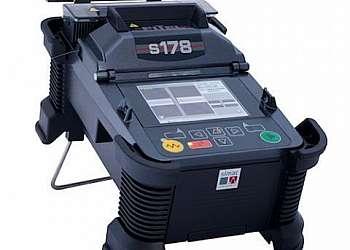 Máquina de fusão de fibra óptica a venda